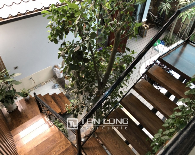 Incredible house for lease in Dang Thai Mai street! 3