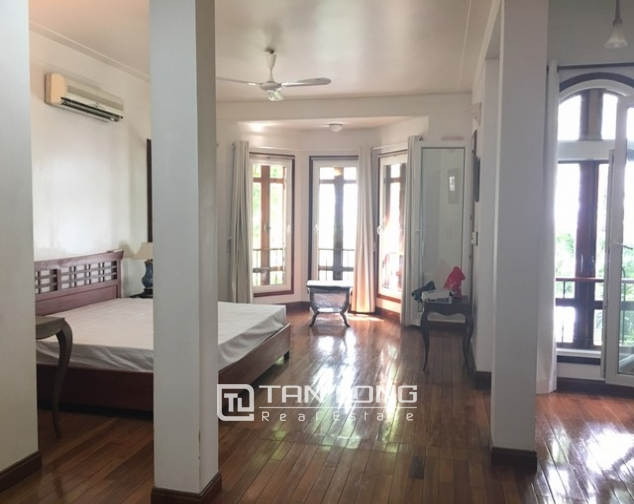 Lake front house with 3 bedrooms to rent in Nguyen Dinh Thi, Tay Ho, Hanoi 9