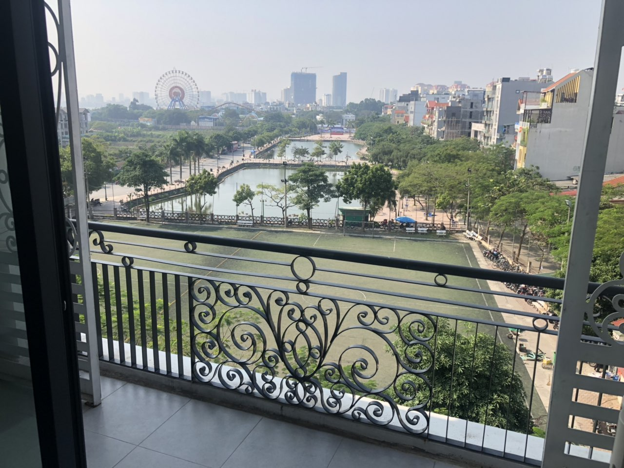 Lake view 2 bedroom apartment for lease in Trinh Cong Son str, Tay Ho distr