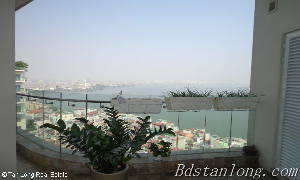 Lake view apartment for lease in Golden Westlake Hanoi 1