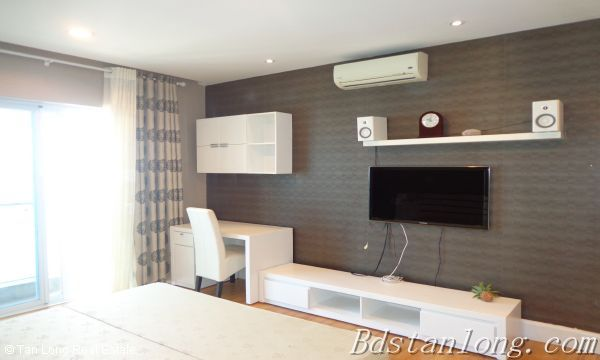 Lake view apartment for lease in Golden Westlake Hanoi 7