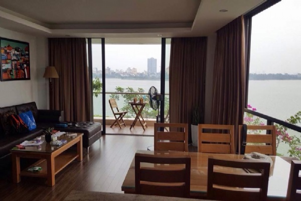 Lake view apartment for rent in road surface Nhat Chieu street, Tay ho district