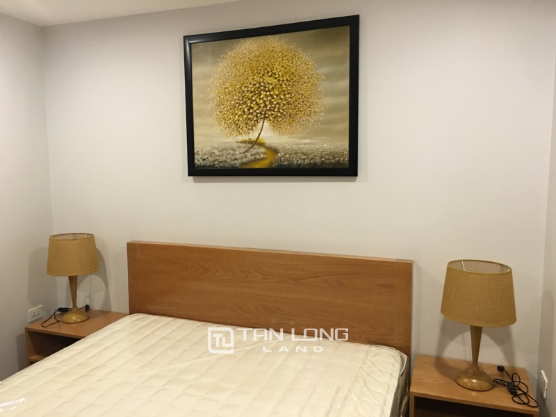 Lake view apartment for rent in road surface Nhat Chieu street, Tay ho district 8