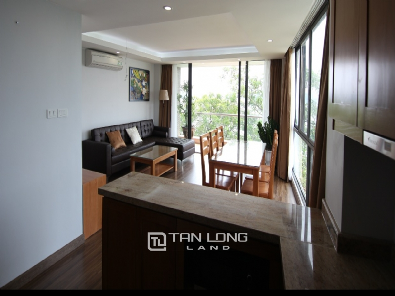 Lake view apartment for rent in road surface Nhat Chieu street, Tay ho district 11