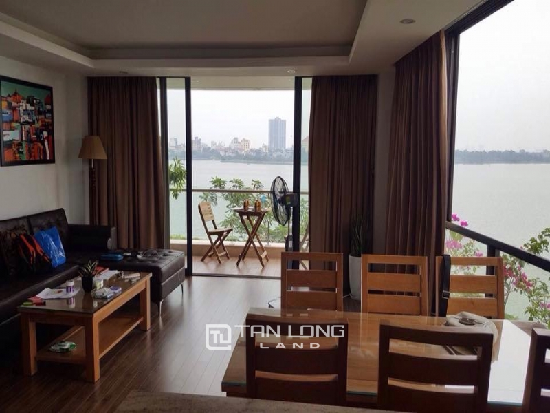 Lake view apartment for rent in road surface Nhat Chieu street, Tay ho district 13