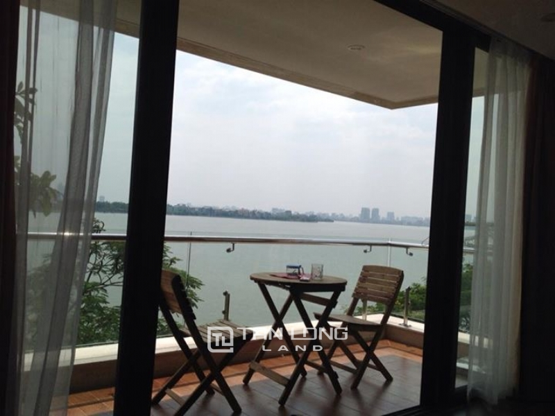 Lake view apartment for rent in road surface Nhat Chieu street, Tay ho district 15