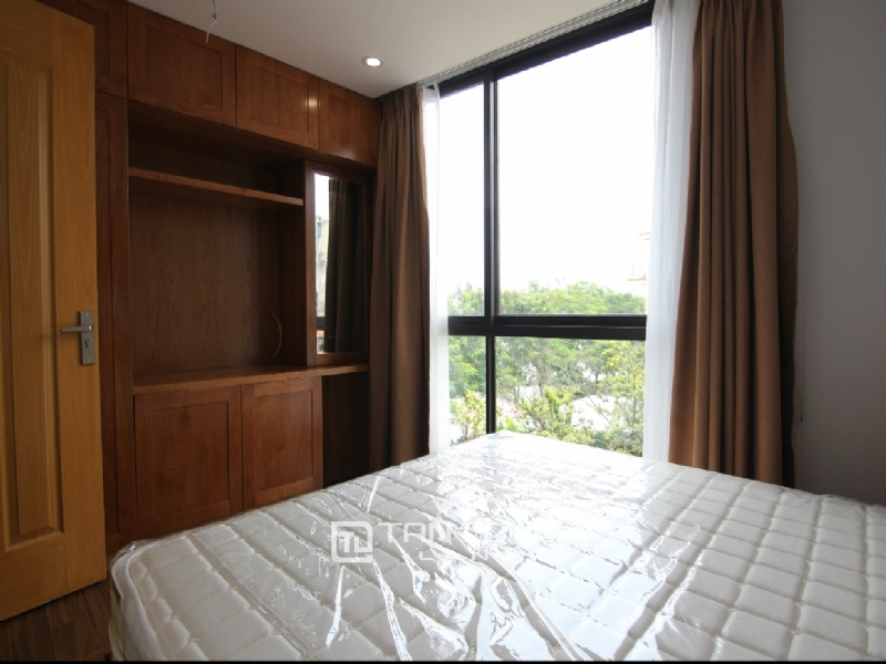 Lake view apartment for rent in road surface Nhat Chieu street, Tay ho district 16