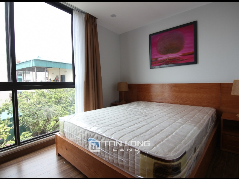 Lake view apartment for rent in road surface Nhat Chieu street, Tay ho district 1