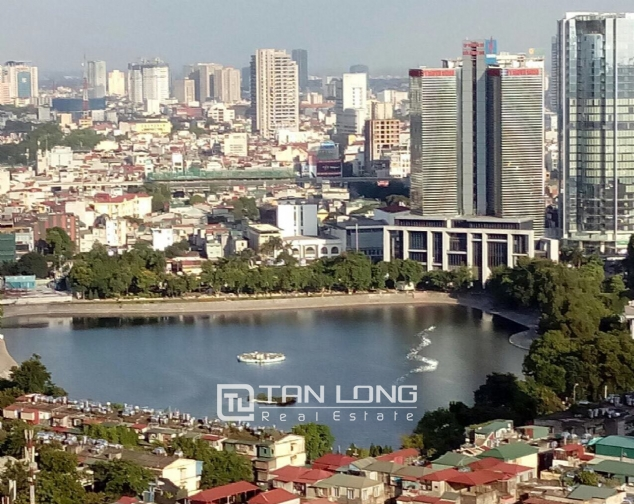 Lake view apartment with 2 bedrooms for rent in Vinhomes Nguyen Chi Thanh, Hanoi 6