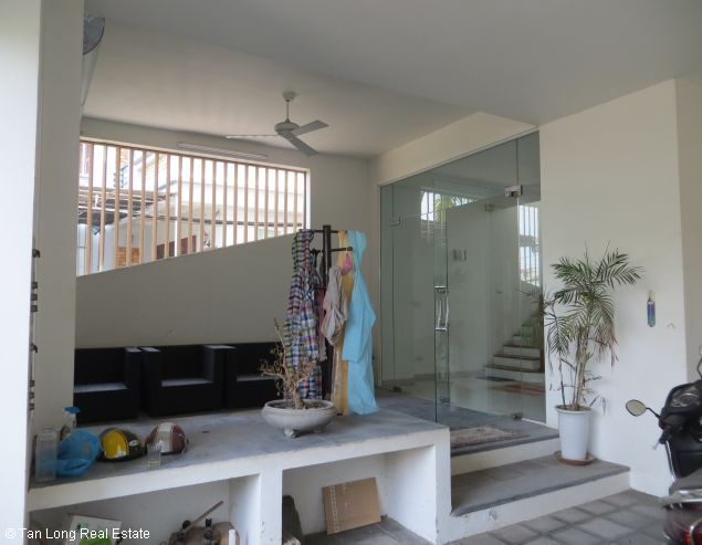 Lake view modern and beautiful house for rent on Bo De St, Long Bien Dict 5