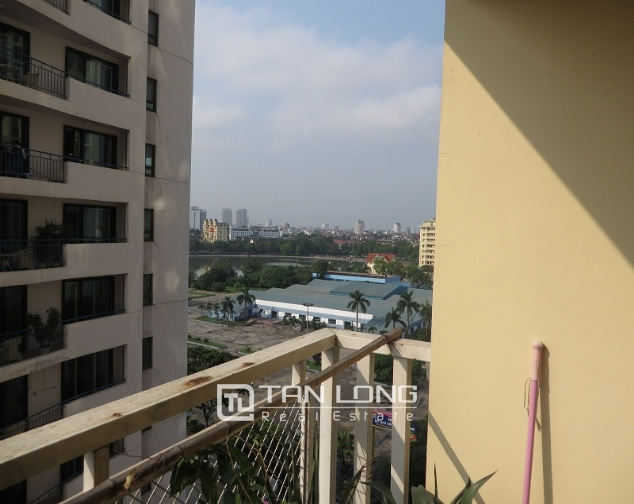 Lake view with balcony apartment for rent in Ngoc Khanh, Ba Dinh district 1