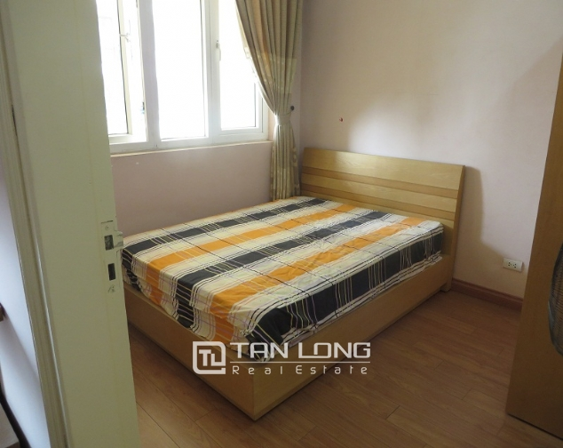 Lake view with balcony apartment for rent in Ngoc Khanh, Ba Dinh district 7