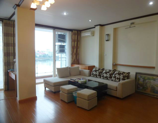 Lake-front 2 bedroom apartment for rent in Xuan Dieu, Tay Ho, Hanoi