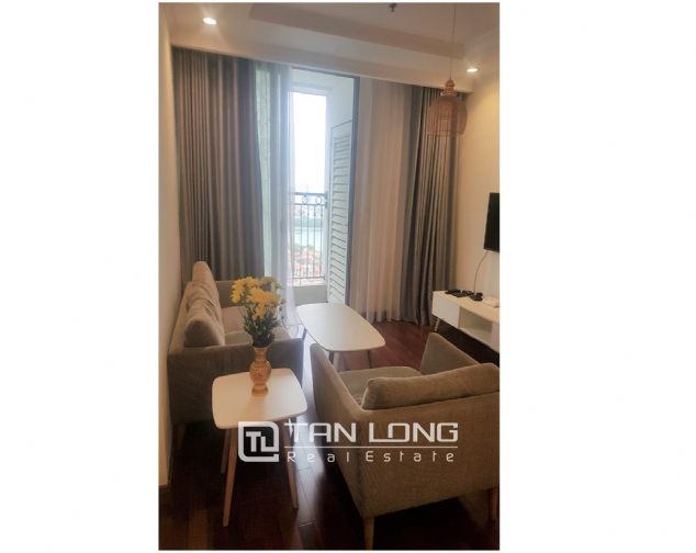 Lakeview 2 bedroom apartment for rent in Vinhomes Nguyen Chi Thanh 1