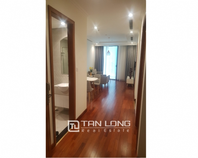 Lakeview 2 bedroom apartment for rent in Vinhomes Nguyen Chi Thanh 3