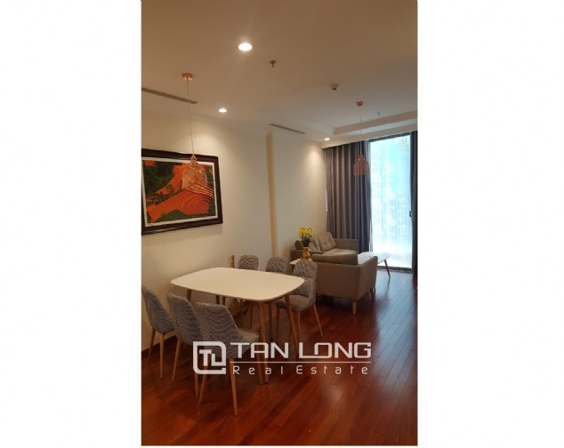 Lakeview 2 bedroom apartment for rent in Vinhomes Nguyen Chi Thanh 4
