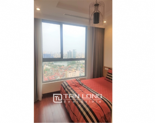Lakeview 2 bedroom apartment for rent in Vinhomes Nguyen Chi Thanh 6