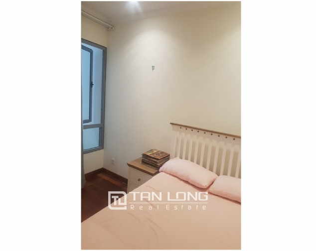 Lakeview 2 bedroom apartment for rent in Vinhomes Nguyen Chi Thanh 7