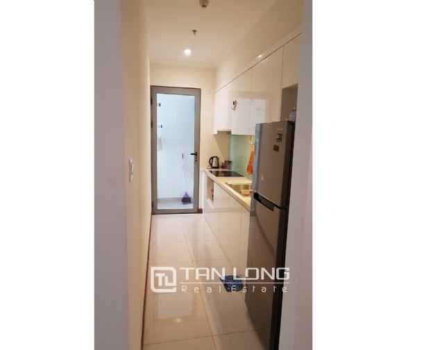Lakeview 2 bedroom apartment for rent in Vinhomes Nguyen Chi Thanh 8