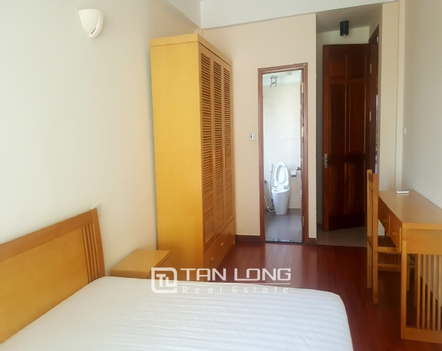Lakeview 2 bedroom apartment for rent on Nhat Chieu, Tay Ho 6