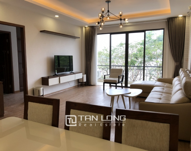 Lakeview 2 bedroom apartment on Nhat Chieu street, Next to West Lake and Water Park 2