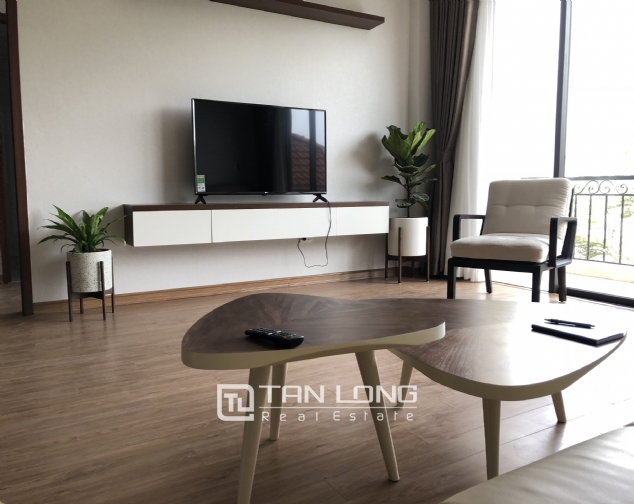 Lakeview 2 bedroom apartment on Nhat Chieu street, Next to West Lake and Water Park 3