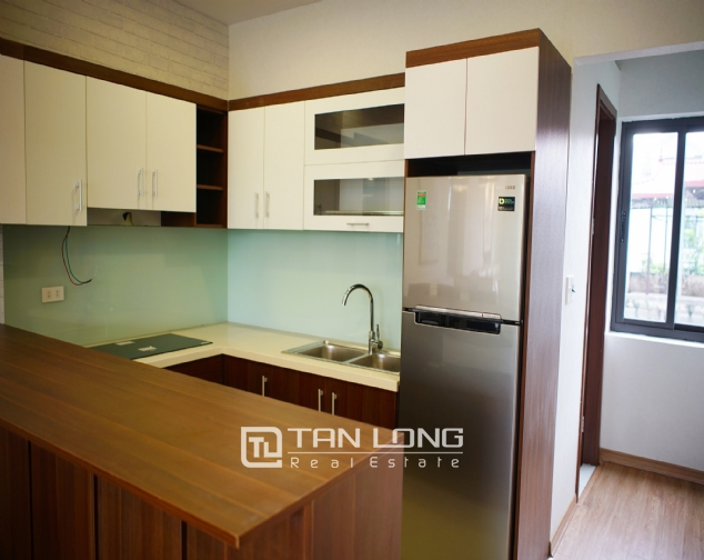 Lakeview 2 bedroom apartment on Nhat Chieu street, Next to West Lake and Water Park 4