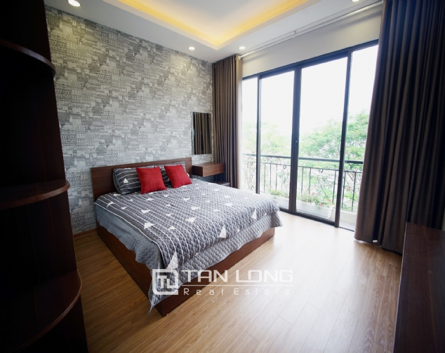 Lakeview 2 bedroom apartment on Nhat Chieu street, Next to West Lake and Water Park 5