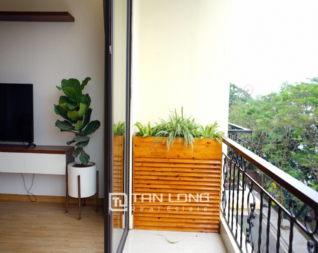 Lakeview 2 bedroom apartment on Nhat Chieu street, Next to West Lake and Water Park 7