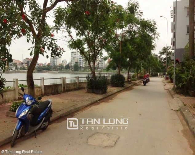 Lakeview 4 bedroom villa with swimming pool for rent in Nghi Tam village, Tay Ho dist 5