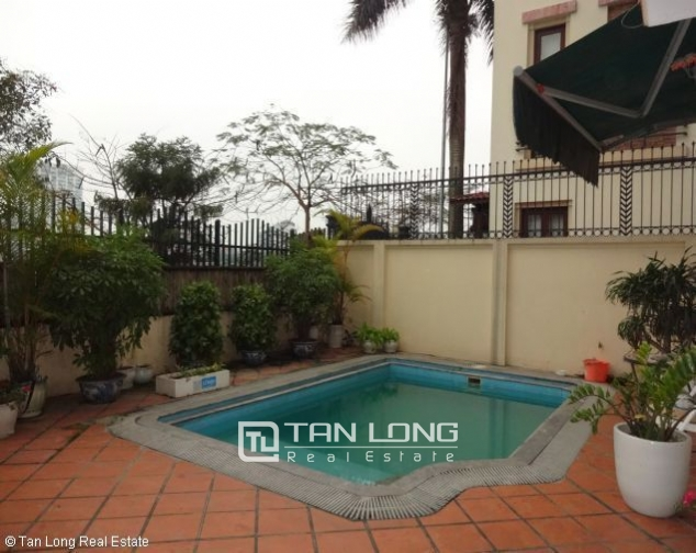 Lakeview 4 bedroom villa with swimming pool for rent in Nghi Tam village, Tay Ho dist 7