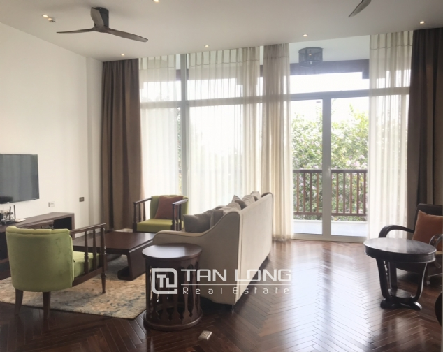 Lakeview 4 berdrroom apartment for rent on Dang Thai Mai street, Tay Ho district 1