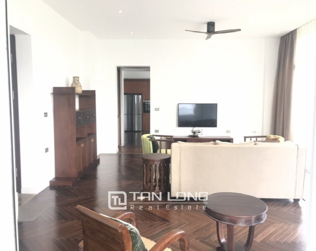 Lakeview 4 berdrroom apartment for rent on Dang Thai Mai street, Tay Ho district 2