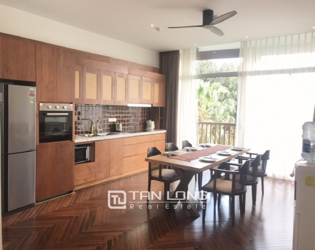 Lakeview 4 berdrroom apartment for rent on Dang Thai Mai street, Tay Ho district 3