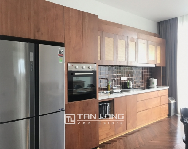 Lakeview 4 berdrroom apartment for rent on Dang Thai Mai street, Tay Ho district 4