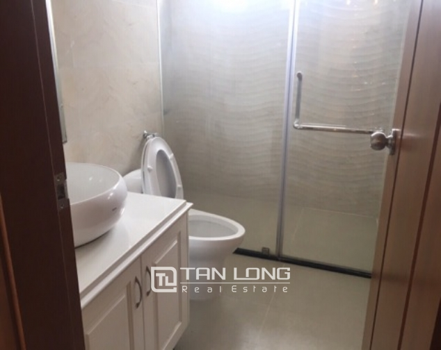Lakeview apartment for rent in Vinhomes Nguyen Chi Thanh 9