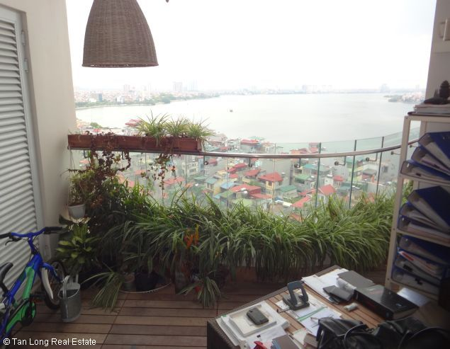 Lakeview full furnished 2 bedrooms apartment in E tower Golden Westlake Ha Noi 2