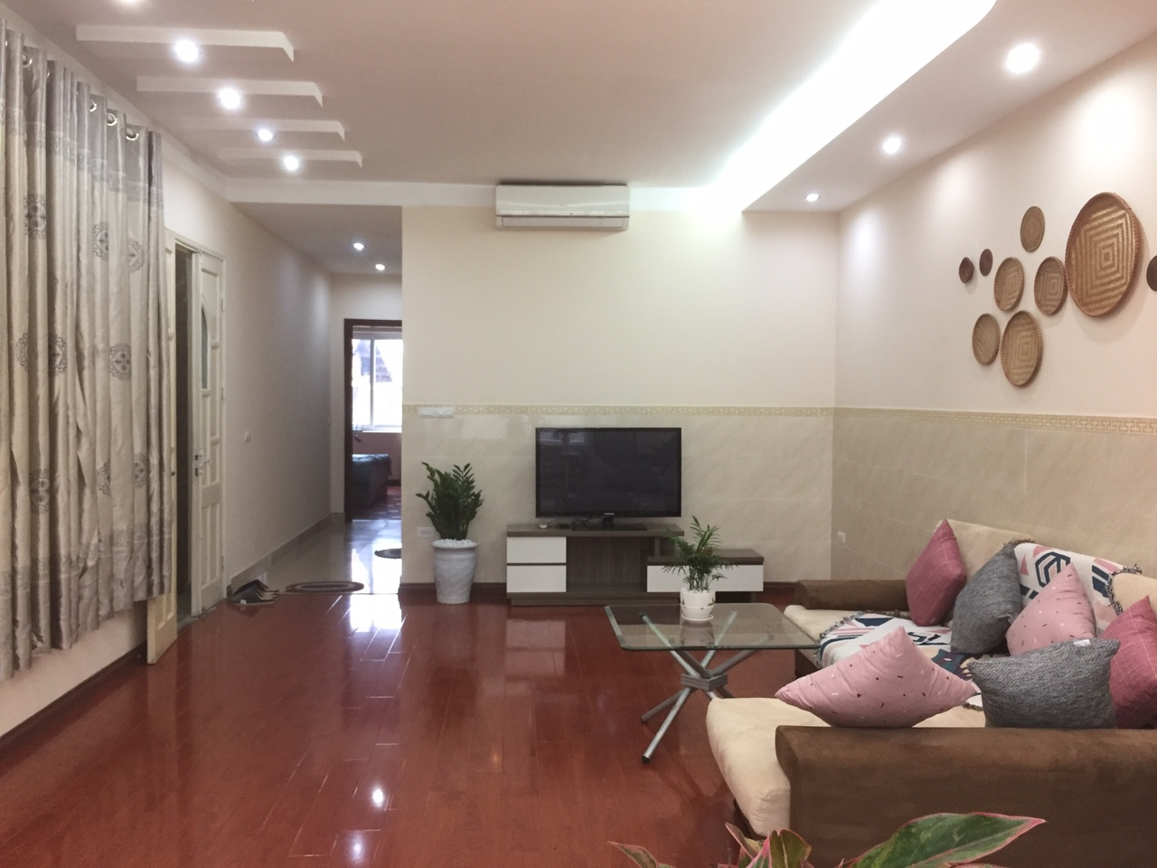 Large 2 bedroom apartment for rent in Lane 34, Au Co street