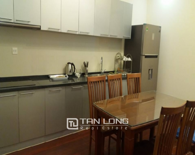 Large 3 bedroom apartment for rent in R1 Royal City 4