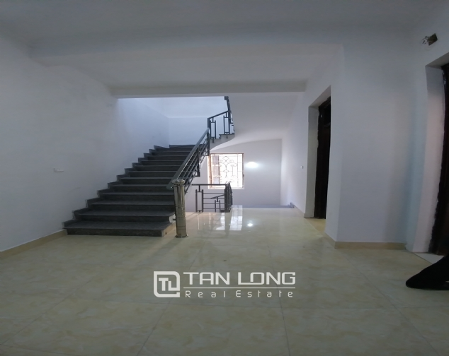 Large 3 storey house for rent in dong da, luxury house for 10