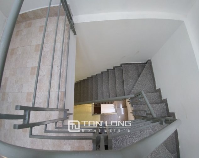 Large 3 storey house for rent in dong da, luxury house for 1