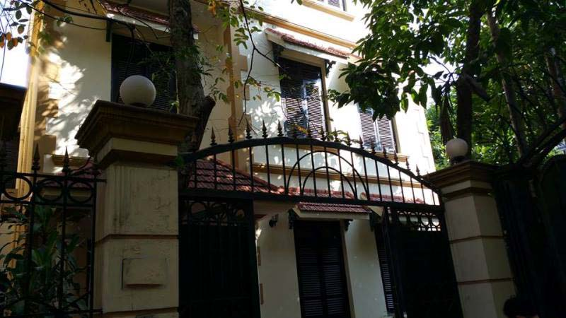 Large 4 bedroom villa for rent in Hoang Hoa Tham, Ba Dinh, Hanoi