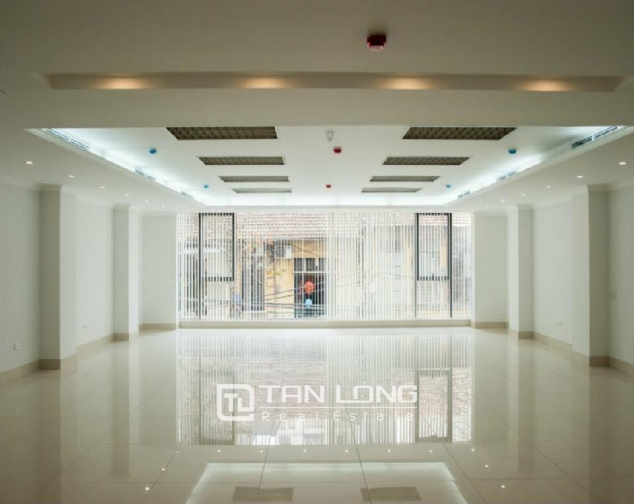 Large office for lease in Mai Hac De street, Hai Ba Trung dist 1