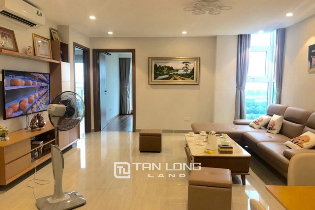 Lovely and bright 3 bedroom apartment for lease in L4 The Link Ciputra 1