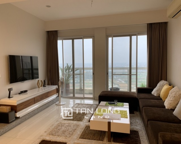 Lovely renovated 3 bedroom apartment for rent in E tower Ciputra 3