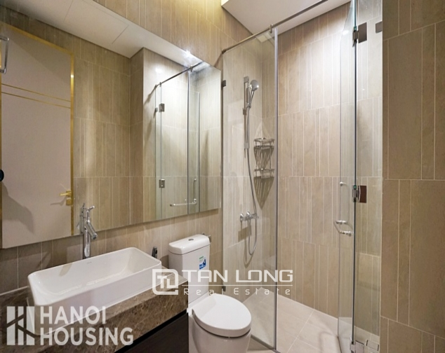 Luxurious 2 bedroom apartment for rent ịn Sun Grand City 9