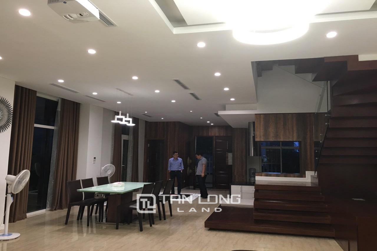 Luxurious 250 Sqm 3 Bedroom Villa For Lease In Vinhome Riverside, Long Bien District 5