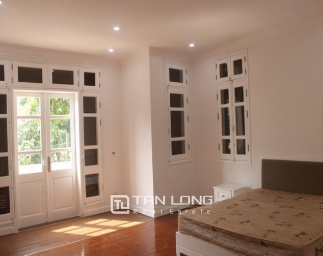 Luxurious and high standard fully funished Villa for rent in D4 block , Ciputra 7