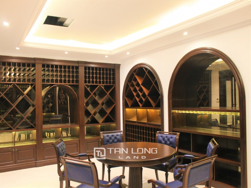 Luxurious & Stunning Detached Villa to lease with Wine Cellar and Elevator 20