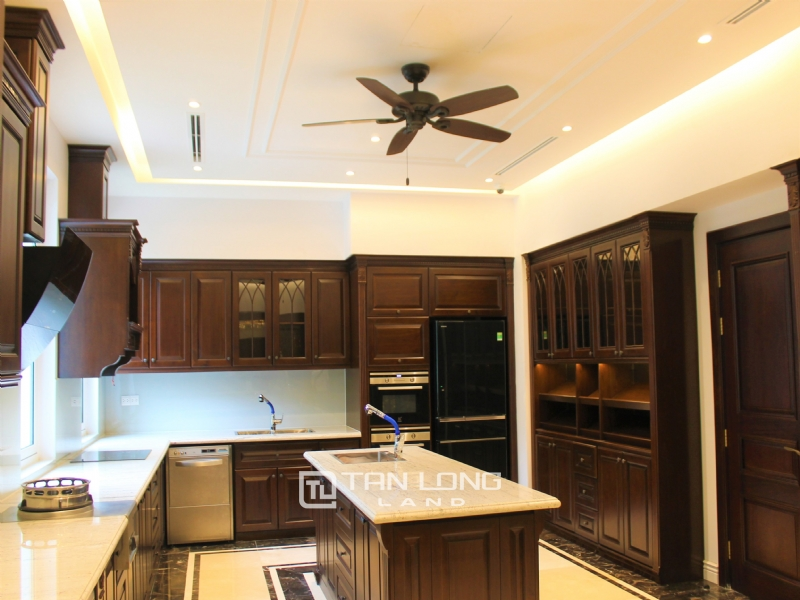 Luxurious & Stunning Detached Villa to lease with Wine Cellar and Elevator 22